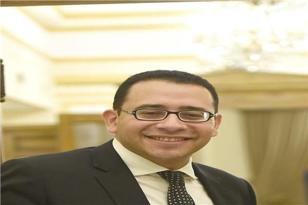دكتور عمرو حسن