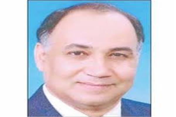 الكاتب الصحفي أحمد عطية صالح