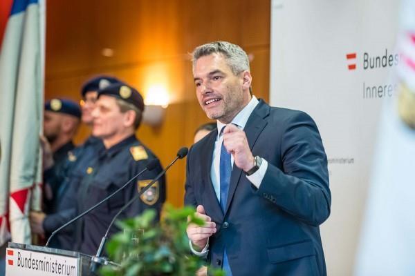 كارل نيهمر وزير الداخلية النمساوي
