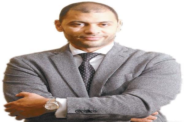 صورة بيل جيتس المصرى.. بدأ ثروته المليونية بـ5 جنيهات