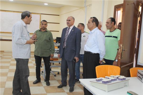 رئيس جامعة الأقصر يواصل جولاته التفقدية