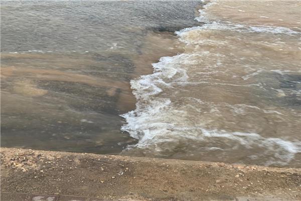 انفجار 4 مواسير مياه