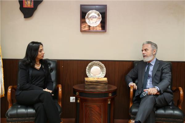 مايا مرسي تستقبل سفير البرازيل