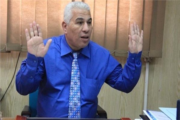الدكتور محمد سعد وكيل وزارة التربية والتعليم بالجيزة