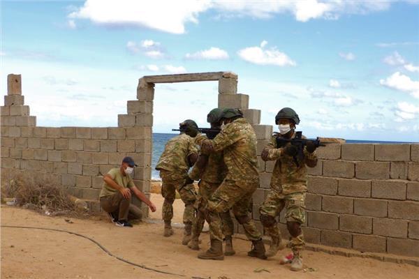 جانب من تدريبات وزارة الدفاع التركية لعناصر من قوات الوفاق