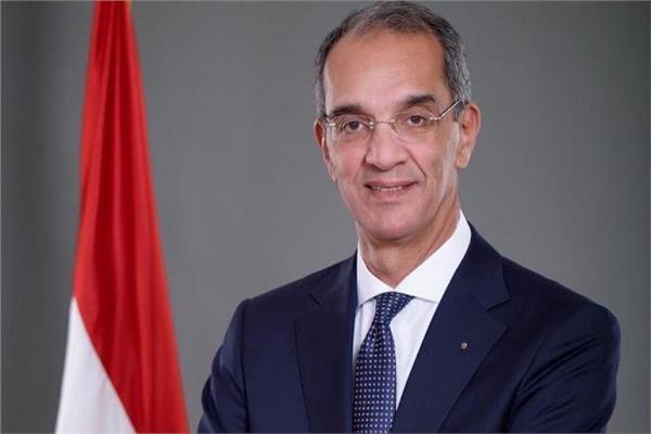 عمرو طلعت، وزير الاتصالات