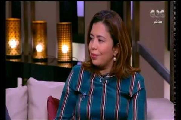 أمل عبد المنعم المشرفة على غرفة عمليات المجلس القومي للمرأة