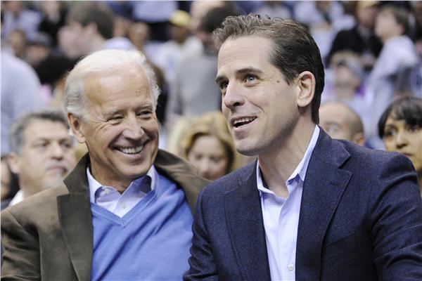 جو بايدن وابنه هانتر