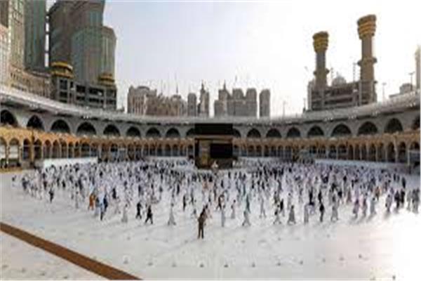 السعودية تسمح بقدوم معتمرين من الدول الأخرى