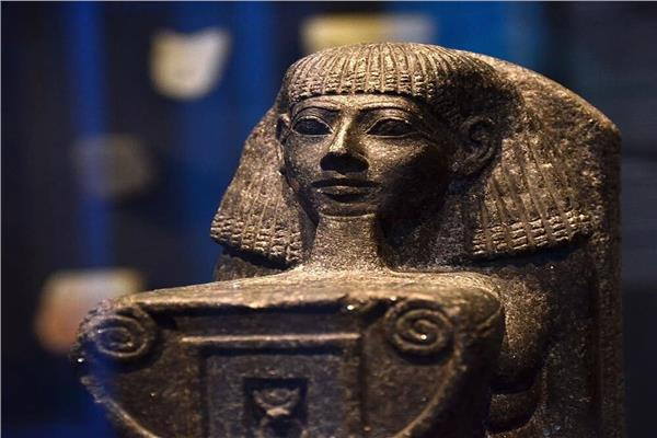 تمثال  الملكة حتشبسوت