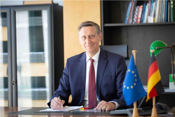 سفير ألمانيا بالقاهرة الدكتور سيريل نون