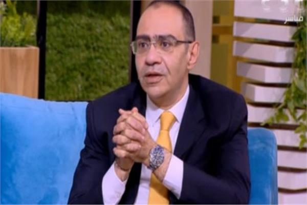 د. حسام حسني رئيس اللجنة العلمية لمكافحة فيروس كورونا