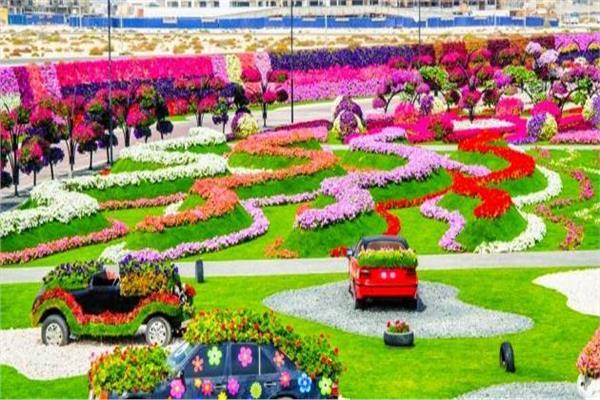 معجزة دبي .. حديقة الزهور تحفة فنية بلمسات طبيعية