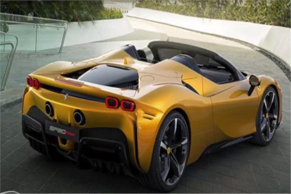 صورة شاهد.. «فيراري» تعلن عن تحفة جديدة لمحبي السيارات المكشوفة