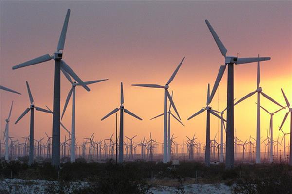 مصر «منورة» بالطاقة النظيفة.. احتياطي آمن للكهرباء