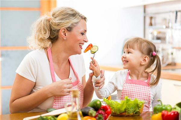 تغذية الاطفال تحافظ على صحتهم