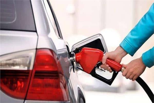 صورة لقائدي السيارات.. نصائح هامة لتقليل معدل استهلاك الوقود
