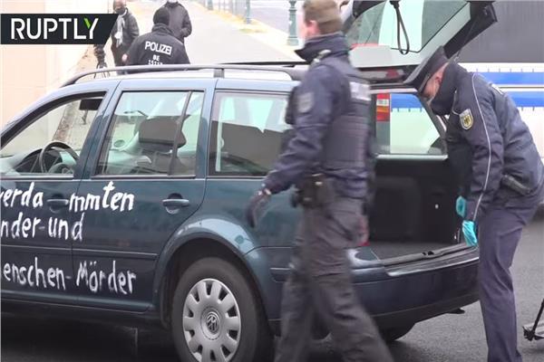 اصطدام سيارة ببوابة مقر ميركل في برلين