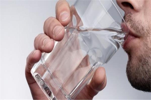 كم كوب ماء يجب أن نشرب يوميًا ؟