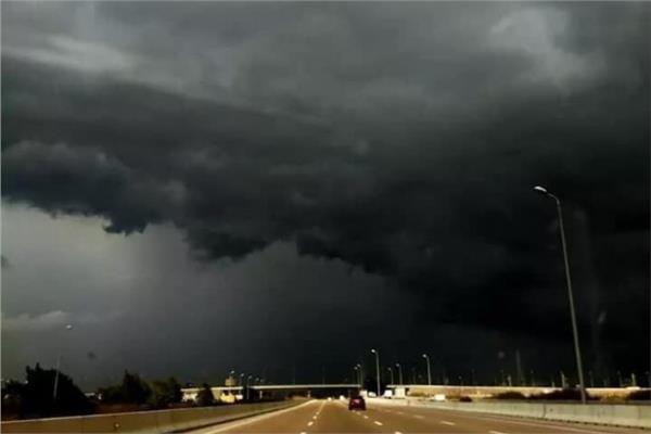 الغيوم السوداء على القاهرة والإسكندرية