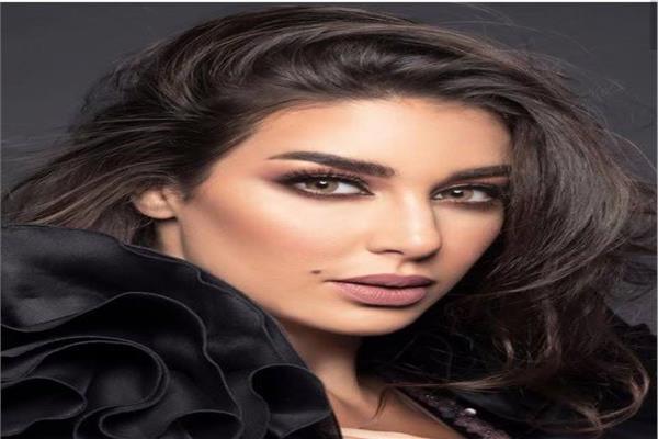 ياسمين صبري تشعل «إنستجرام» بإطلالة رياضية سوداء