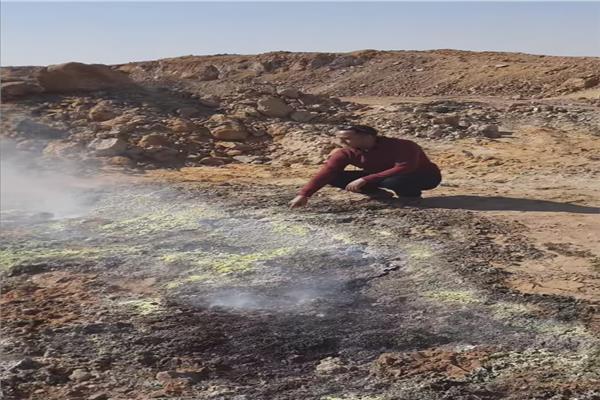 ظاهرة جمرات النار التي تخرج من باطن الارض بالوادي الجديد
