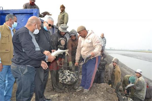 رئيس الهيئة العامة لتنمية الثروة السمكية يفتتح موسم الصيد