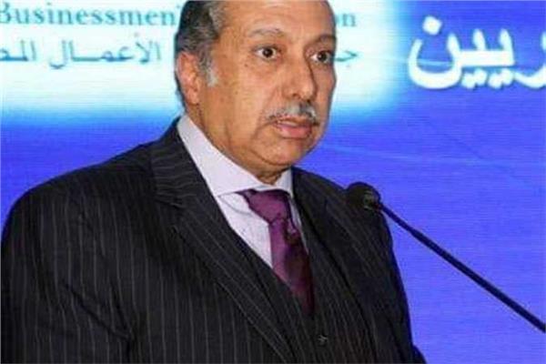 كد حسن حسين رئيس لجنة البنوك والبورصة بجمعية رجال الأعمال والخبير المالي