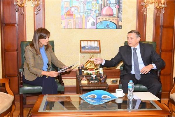 السفيرة نبيلة مكرم وزيرة الدولة للهجرة وشئون المصريين بالخارج