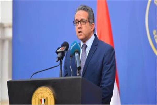 وزير السياحة و الآثار د. خالد العناني