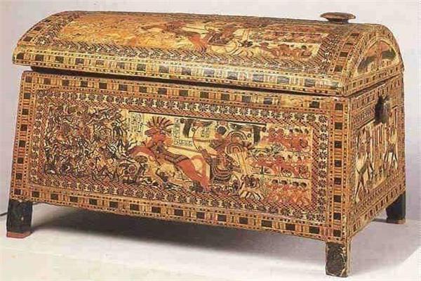 صندوق الملك توت عنخ آمون