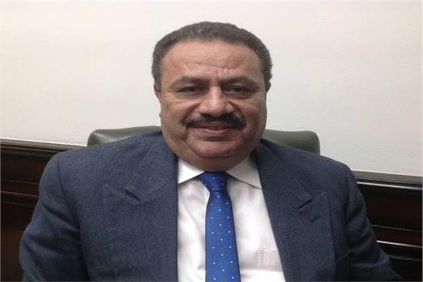 رضا عبدالقادر، رئيس مصلحة الضرائب