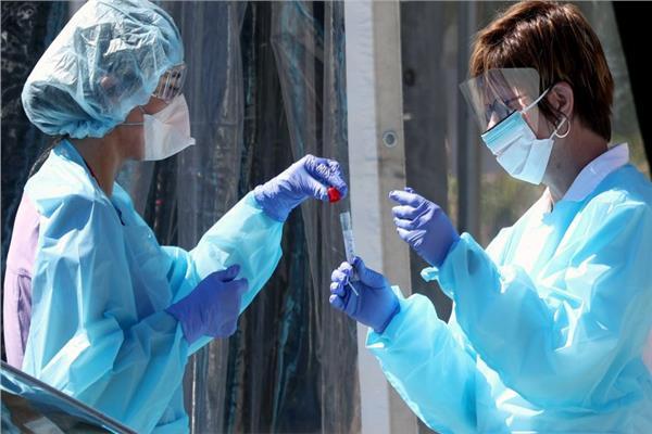 بريطانيا تسجل 55 ألفا إصابة جديدة بكورونا