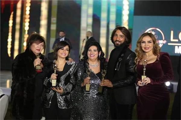 تكريم نجوم الفن بمهرجان أوسكار العرب