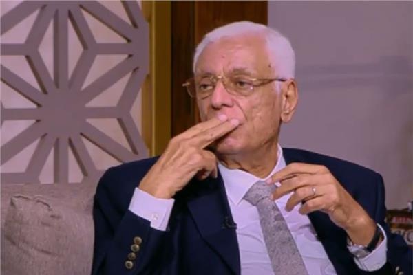 الدكتور حسام موافي، أستاذ طب الحالات الحرجة بكلية طب قصر العيني