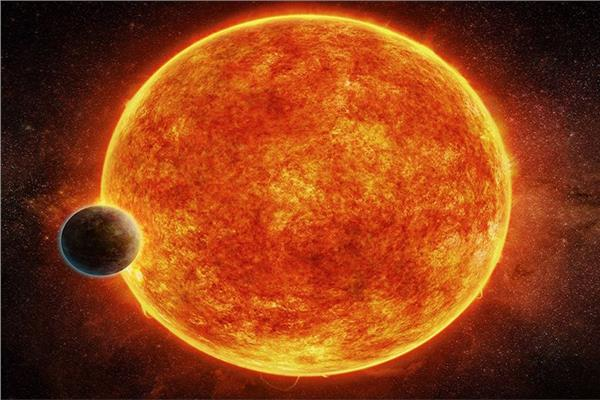 اكتشاف كوكب غازي يدور حوله نظام شمسي ثلاثي