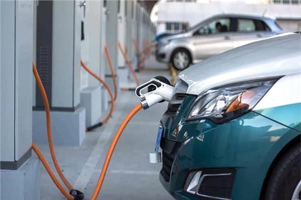 صورة «طاقة النواب» تناقش مستقبل السيارات الكهربائية في مصر