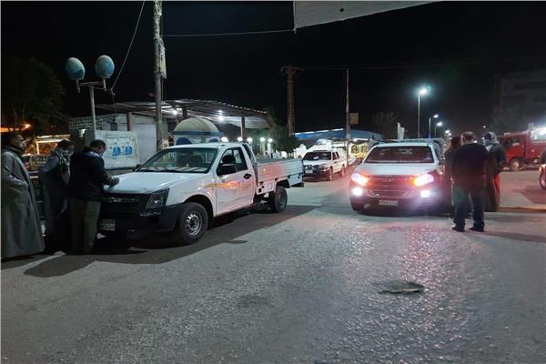 ضبط ٢٠ مواطن بدون كمامة فىحملة ليلية بإسنا