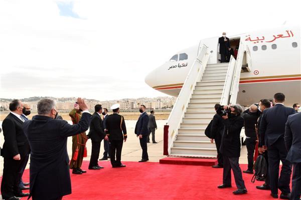 الملك عبد الله في وداع الرئيس السيسي