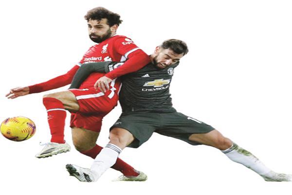 محاولات فاشلة  من صلاح للتهديف  فى مباراة  مانشستر يونايتد