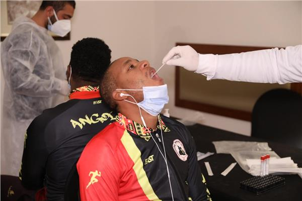 إجراء المسحات الطبية للاعبي المنتخبات المشاركة بالمونديال