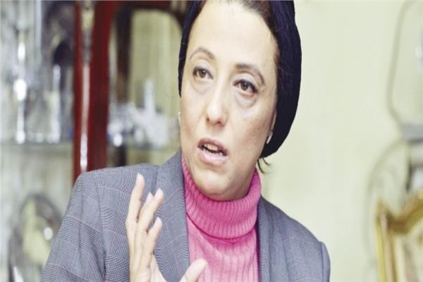 الدكتورة هبة العيسوي، أستاذ الطب النفسي بجامعة عين شمس