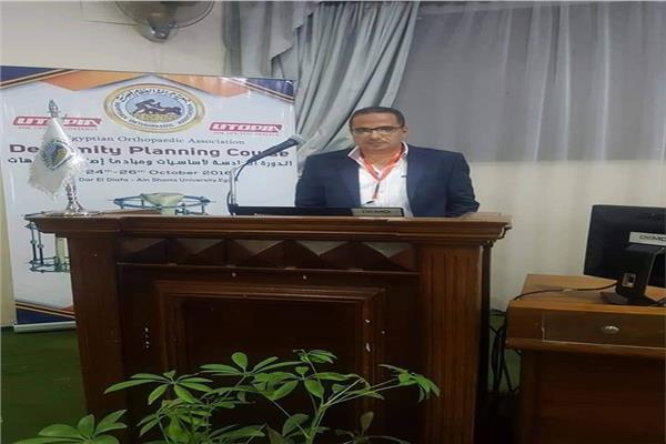 الدكتور محمد عبدالرحيم لكلوك، أستاذ طب العظام بجامعة المنيا