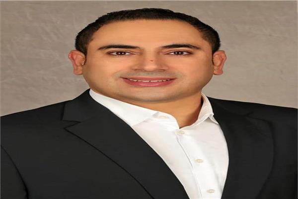 الدكتور محمود رشيد