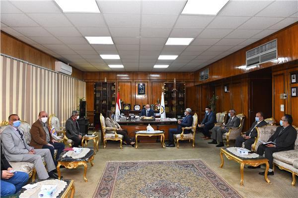 جامعة عين شمس تنظم قافلة تنموية شاملة بقرية أبودياب شرق