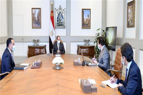 الرئيس السيسي يلتقي مدبولي وعبد الغفار