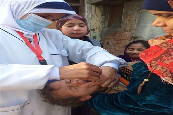 جانب من الحملة القومية للتطعيم ضد شلل الأطفال