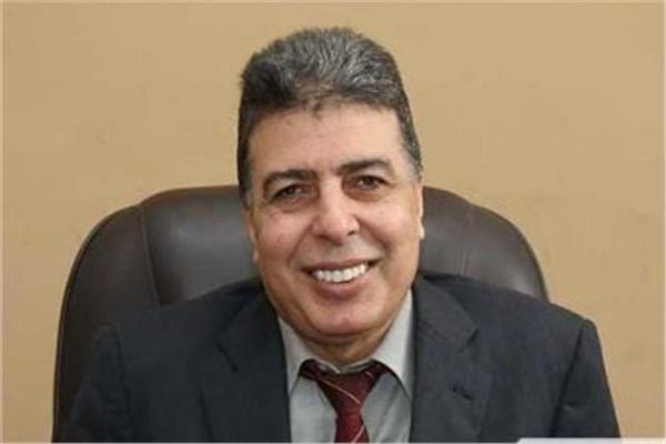 أنور فوزى رئيس مصلحة الضرائب العقارية