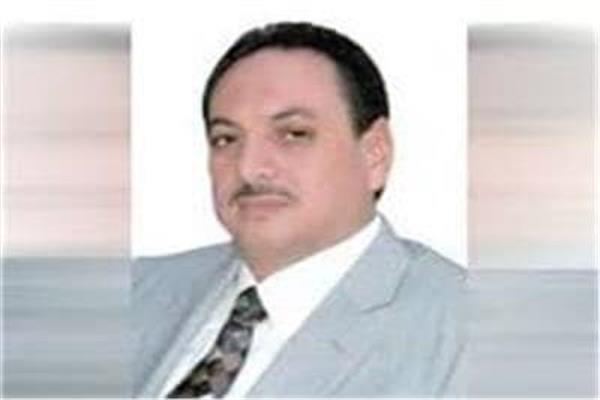 الدكتور رجب شحاتة رئيس شعبة الأرز