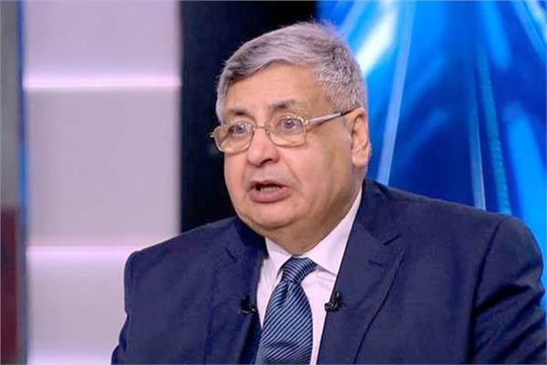 الدكتور محمد عوض تاج الدين